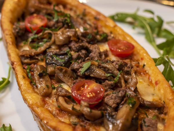 Sirloin Turkish Pizza